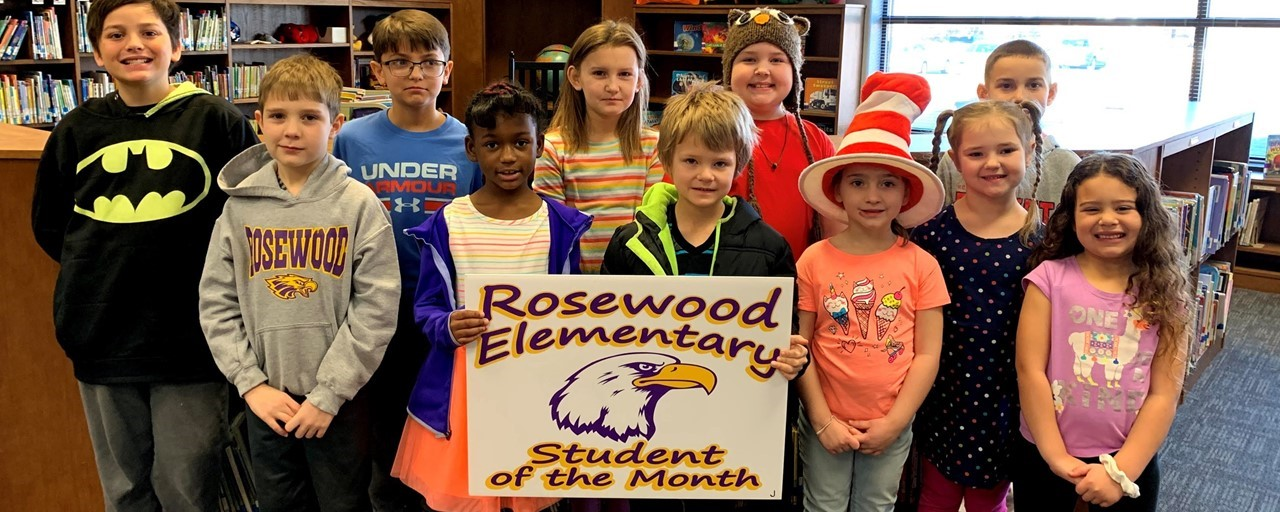 Students receive Student of the Month Award